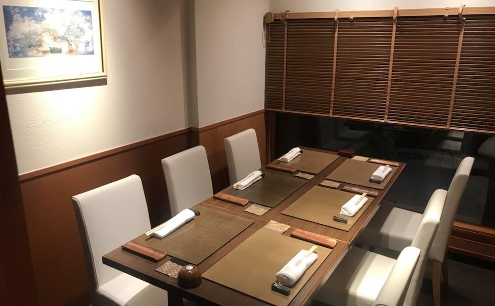 割烹 一献(東京都/六本木)の個室