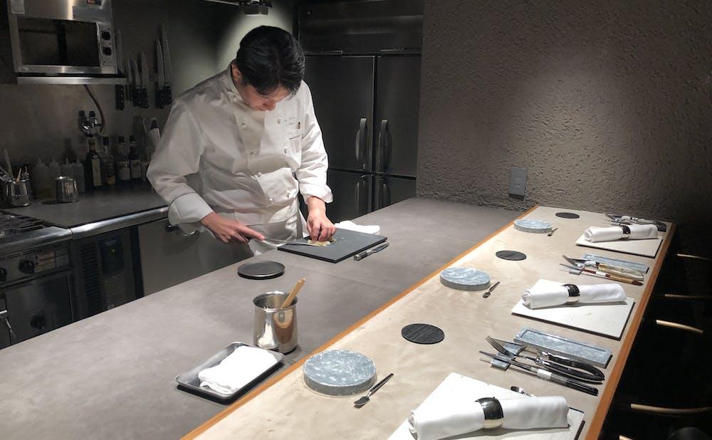 「神戸牛炉釜ステーキ GINZA KOKO炉」のカウンター