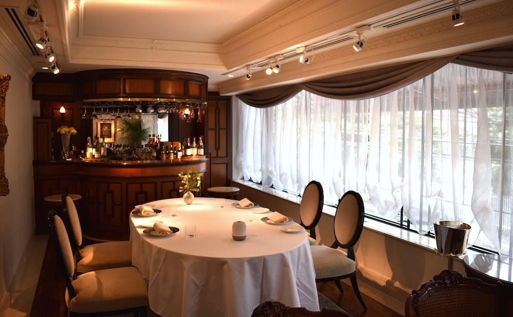 「レストランひらまつ 広尾」の個室