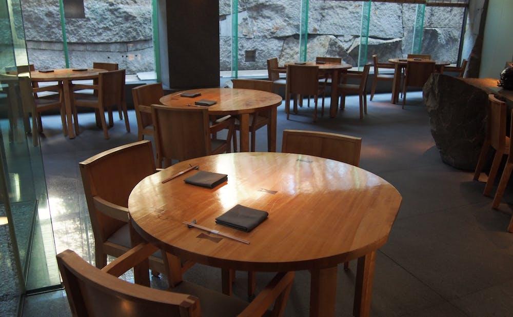 「旬房/グランド ハイアット 東京」のテーブル