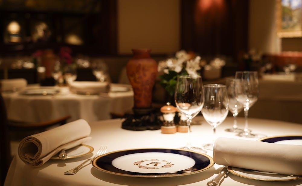 「アピシウス」のテーブル