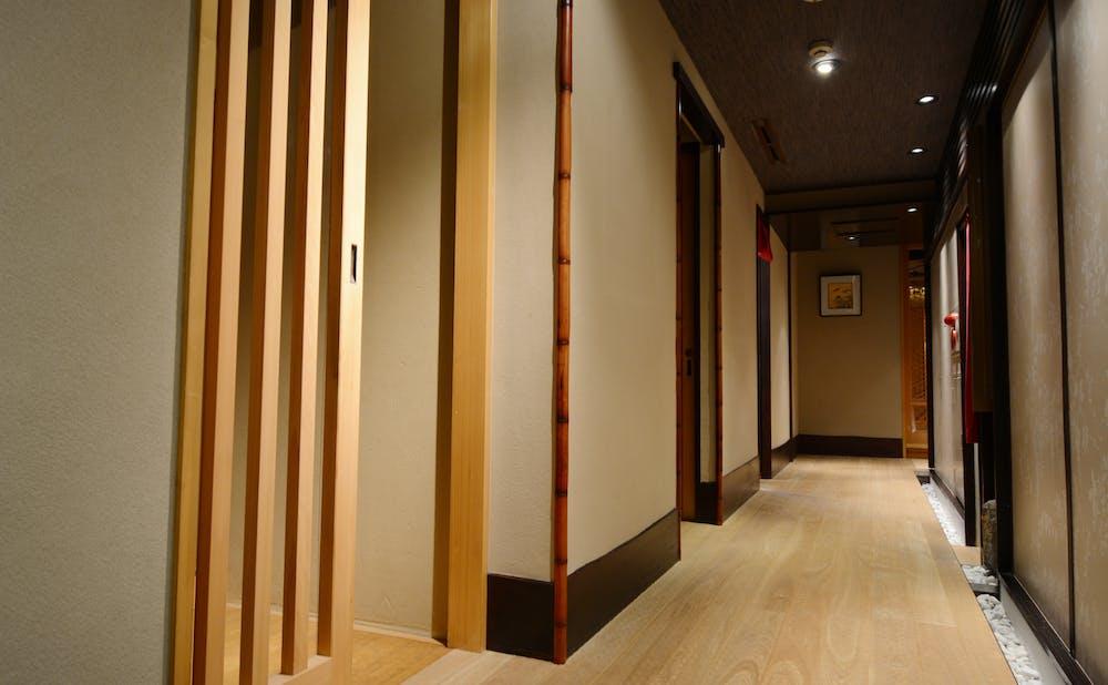 「銀座しもじ」の廊下