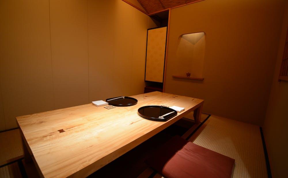「銀座しもじ」の個室