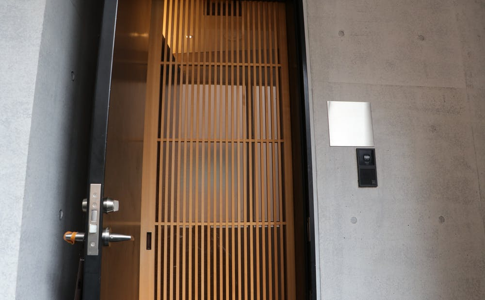 「常」の玄関