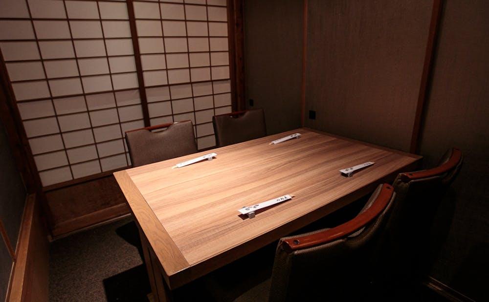 「京の鳥どころ 八起庵 神楽坂店」の個室
