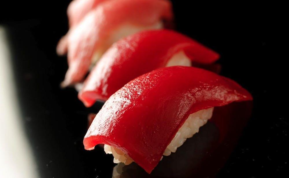 「神楽坂 鮨 りん」の鮨