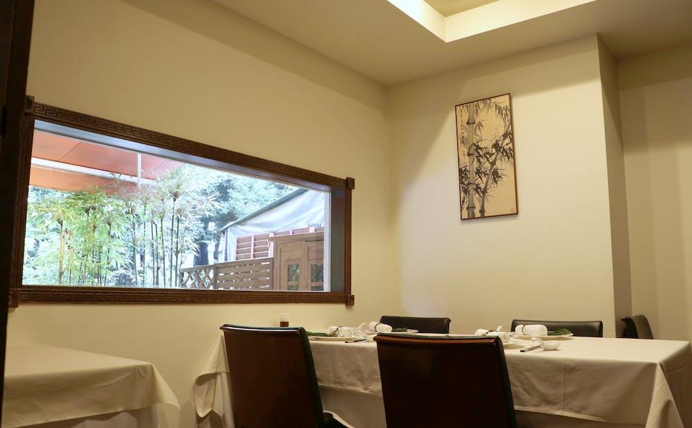 「中国料理 礼華 新宿御苑店」の個室