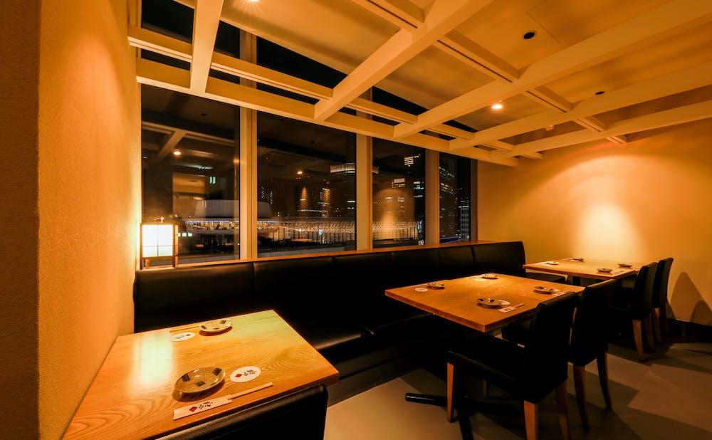 「北陸海鮮 喜心」のテーブル