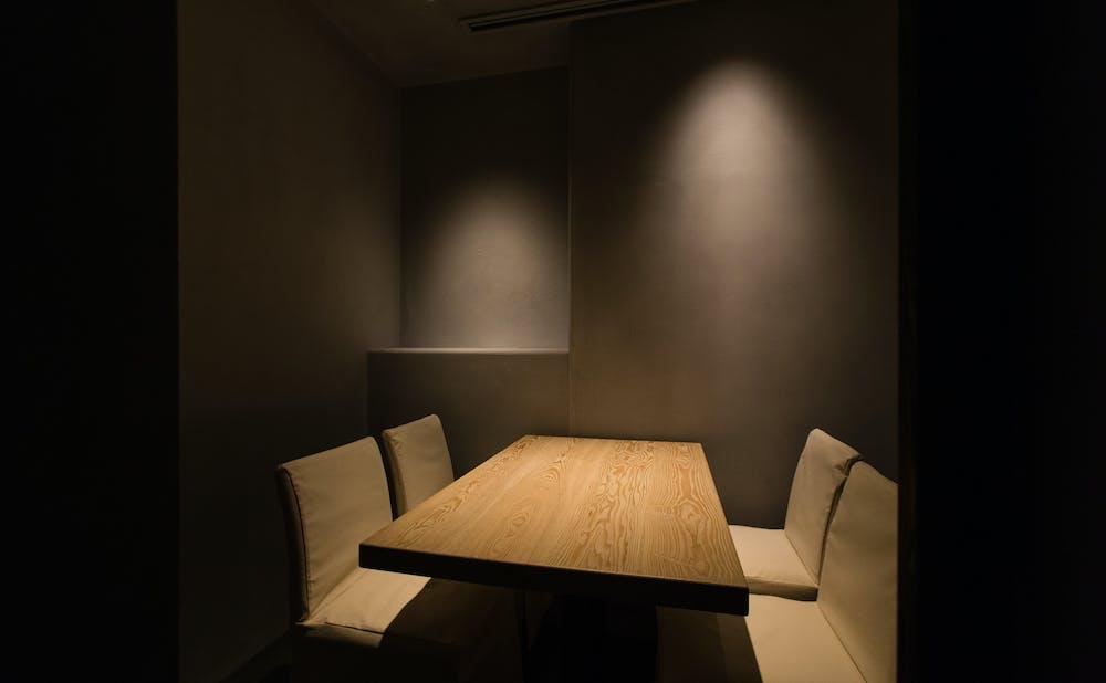 「茶寮 宮坂」の個室
