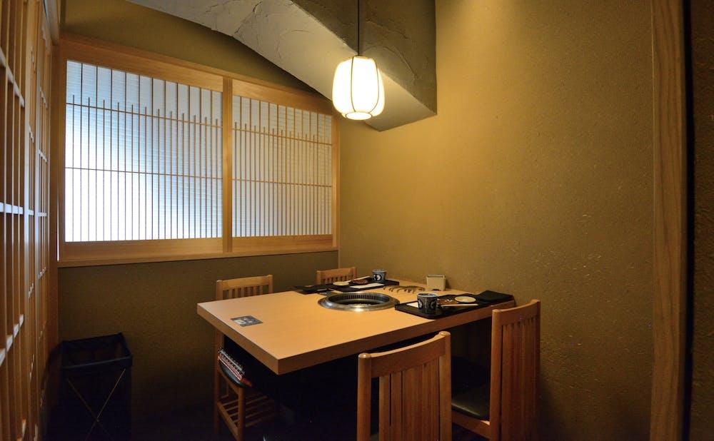 「日本焼肉 はせ川 表参道店」の個室
