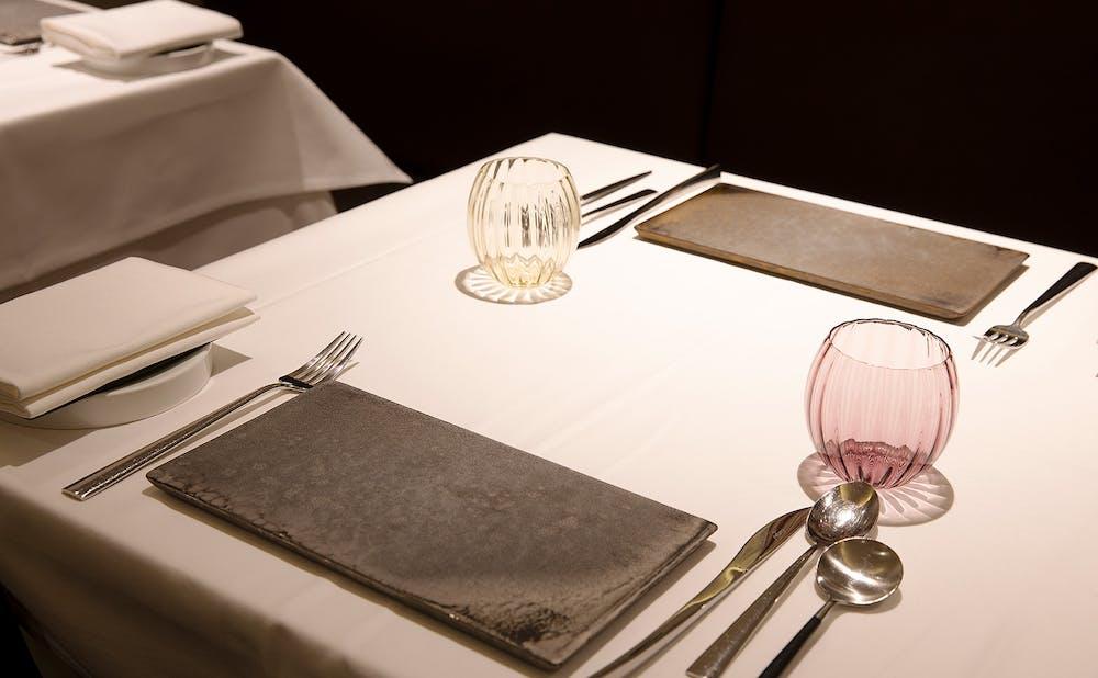 「ラペ」のテーブル席