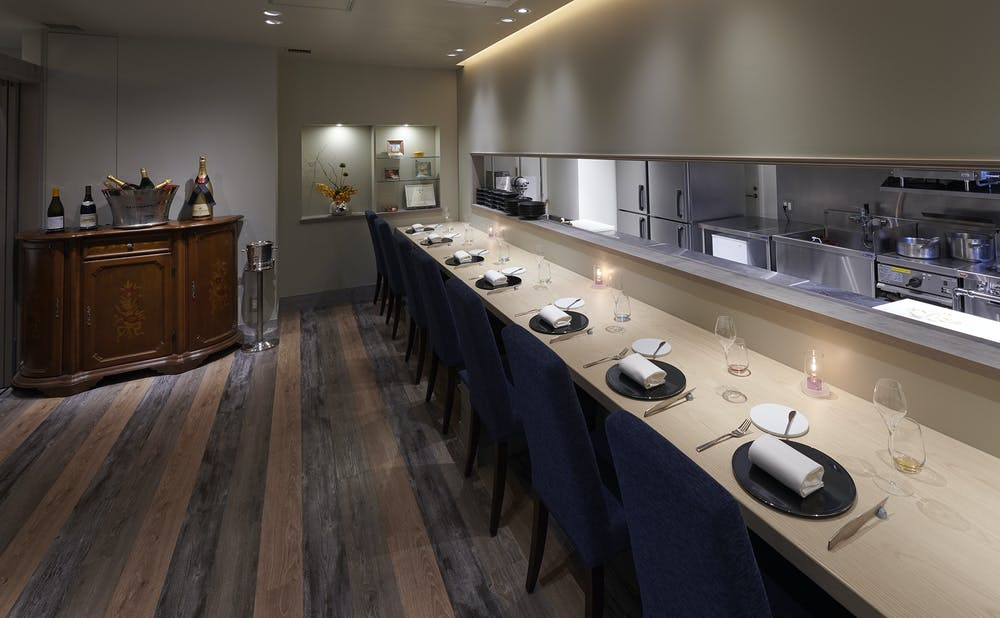 「Restaurant L'affinage」のカウンター
