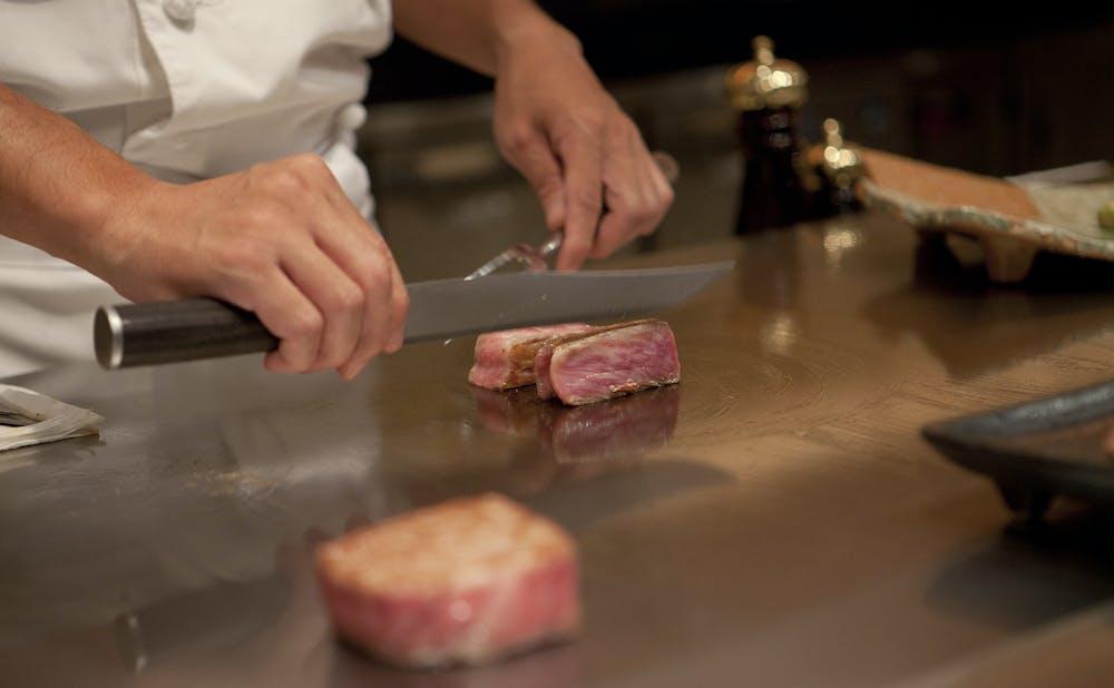 「鉄板焼ステーキ ほたる 」の鉄板焼き