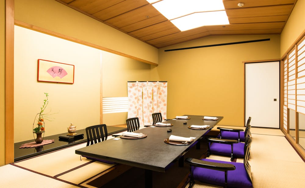 「赤坂松葉屋」の個室