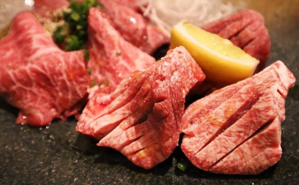 「焼肉 あざぶや」の肉