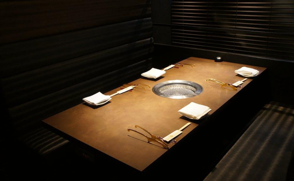 「銘柄高級焼肉 MASU」の個室