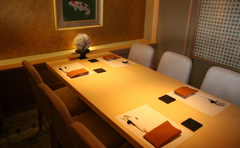 銀座 鮨正の個室