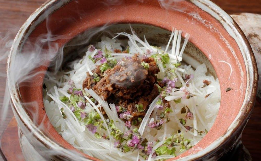 肉料理 KOJIROの「牛しぐれ煮の土鍋ご飯」