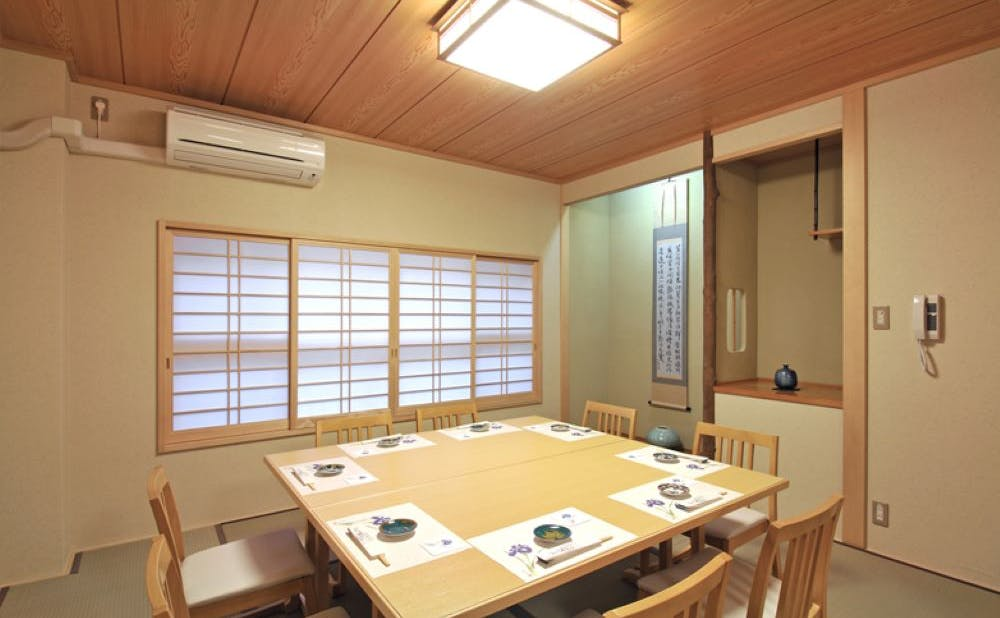 なかや寿司の個室