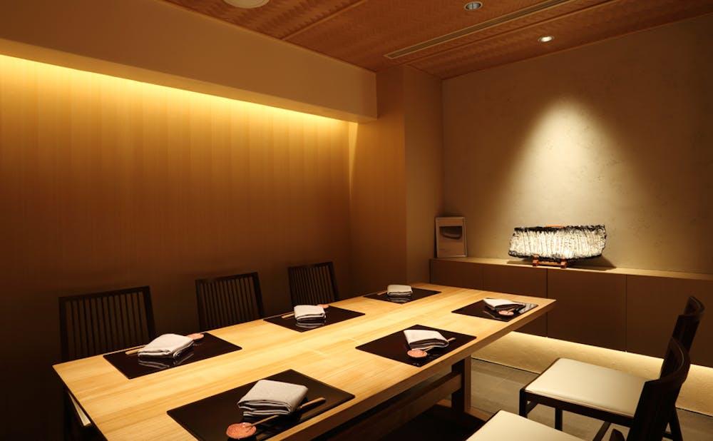 会食・接待に使える!銀座で個室がある日本料理店 8選 | KIWAMINO
