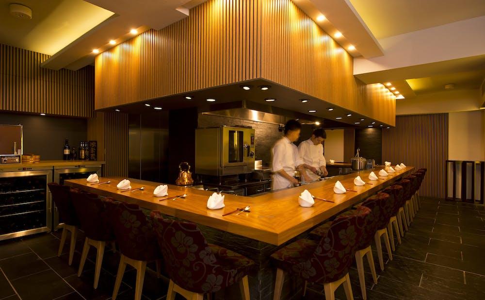 虎峰のカウンターテーブル