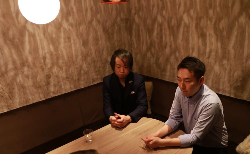 「Nontitle/NARITAYUTAKA赤坂」のバーテンダーの大竹氏とシェフ成田氏