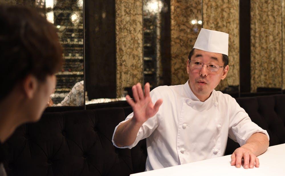 「赤坂 桃の木」の小林武志シェフ